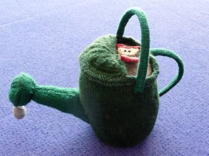 Knitted watering can